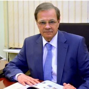 Академик РАМН, Председатель Комитета ТПП РФ по предпринимательству в здравоохранении и медицинской промышленности